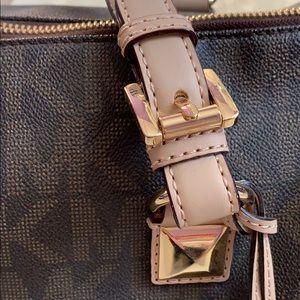 Michael Kors Bags - Michael Kors Large Grayson Logo Satchel